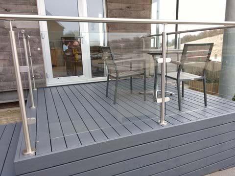 Deck Balcony (Image 1)