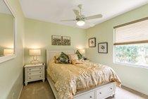 Bedroom 2 (American Queen bed)