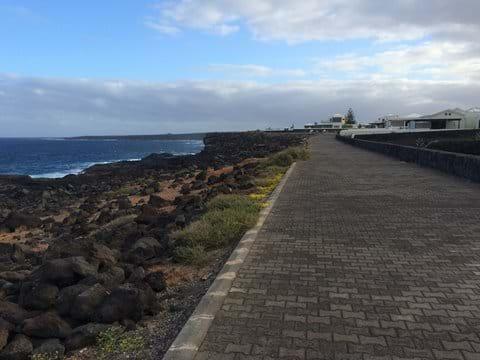 Coastal path - lighthouse peninsula near Faro Park
