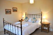 King size bedroom - 2nd floor