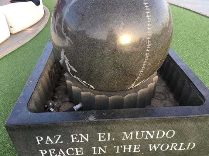 Peace in the World / Paz en el Mundo sculpture Rubimar Shopping Centre Marina Rubicon