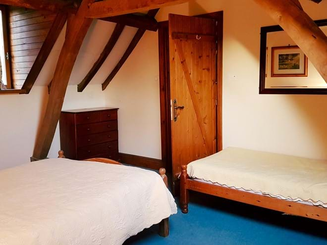 A cosy double or triple bedroom - Le Cerisier