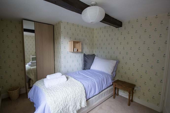 Bedroom 2- 1 small single