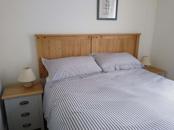 Bedroom 2 set up with 5ft kingsize bed