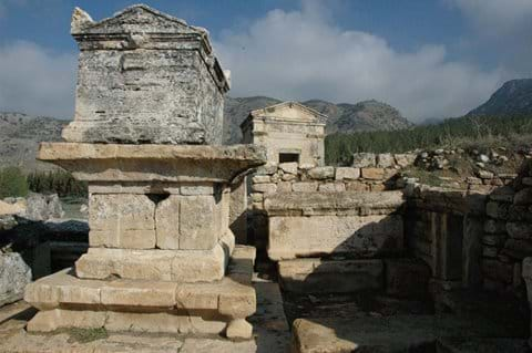 Hierapolis : 2,5 hour drive from Selcuk