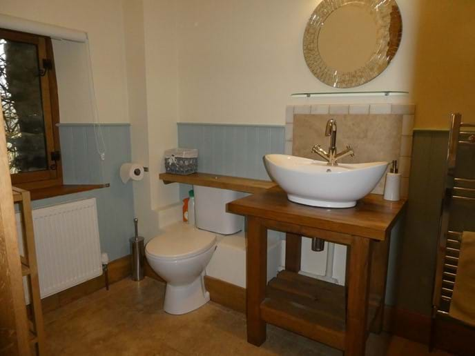 Large luxury en-suite shower room