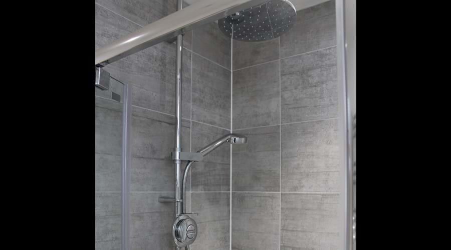 Aqua Lisa shower