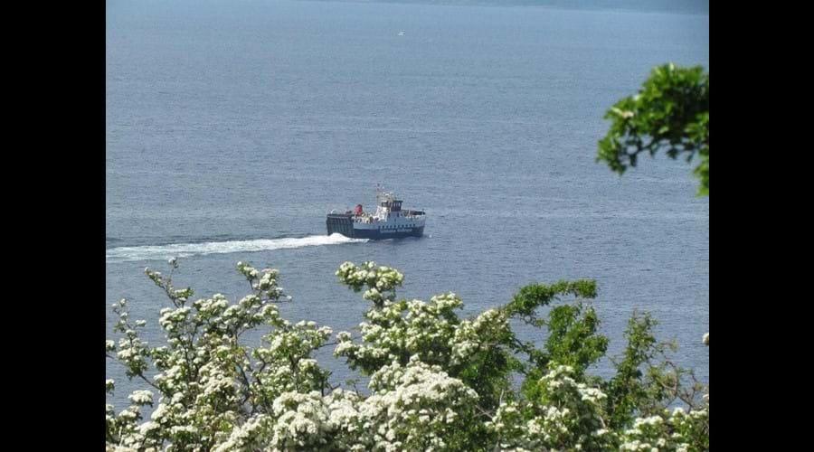Ferry leaving Lochranza