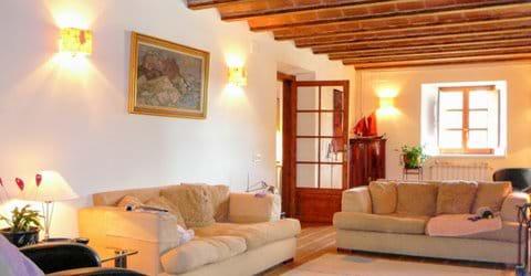 Casa Nova Girona sitting room.