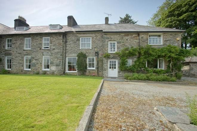 Ty Mawr rural self catering family house close to beaches and Snowdonia
