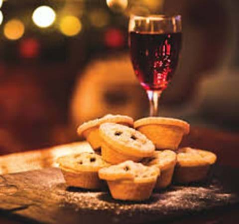 Enjoy your complimentary mulled wine & mince pies