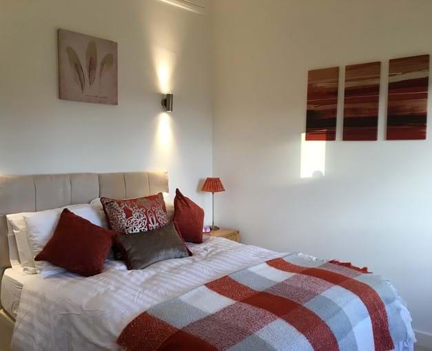Third bedroom configured as super-kingsize bed