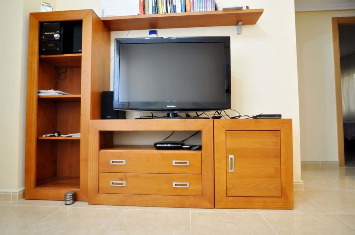 TV Service with 800+ channels inc UK, France, Germany, Holland, Italy, Poland, Scandinavia and more