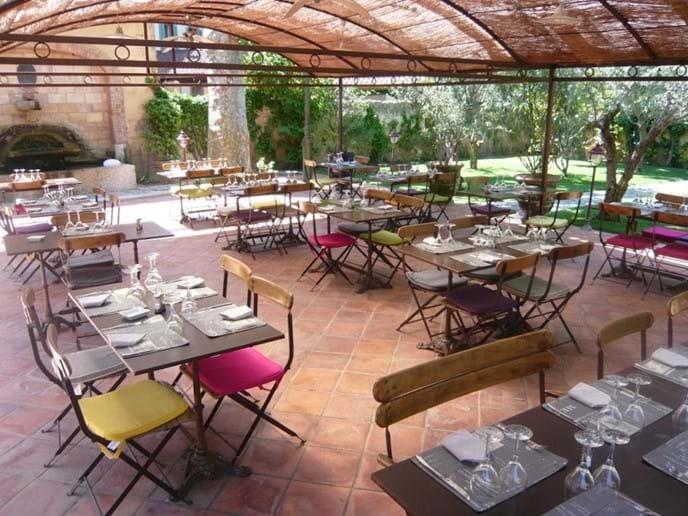 Auberge de Correns terrace restaurant