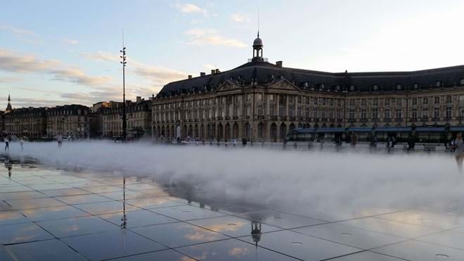 Quai de la Bourse at the waterfront, Bordeaux