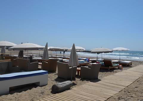 Marseillan Plage with many beach clubs