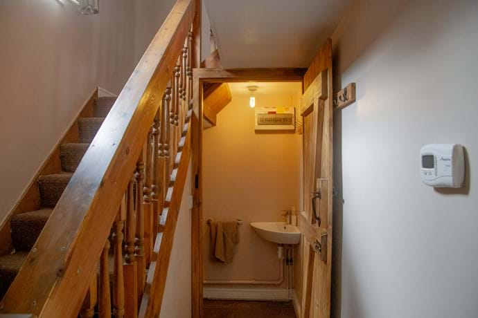 Laverock Lodge stairs and downstairs toilet