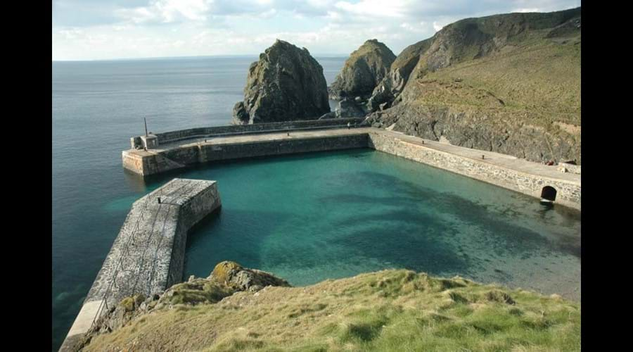 Cadgwith Cottages - MullionaCove, The Lizard, Cornwall