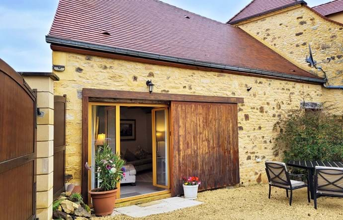 Le Noisetier- a beautifully renovated stone barn