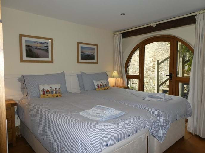 Twin bedroom which can also be a Super-King