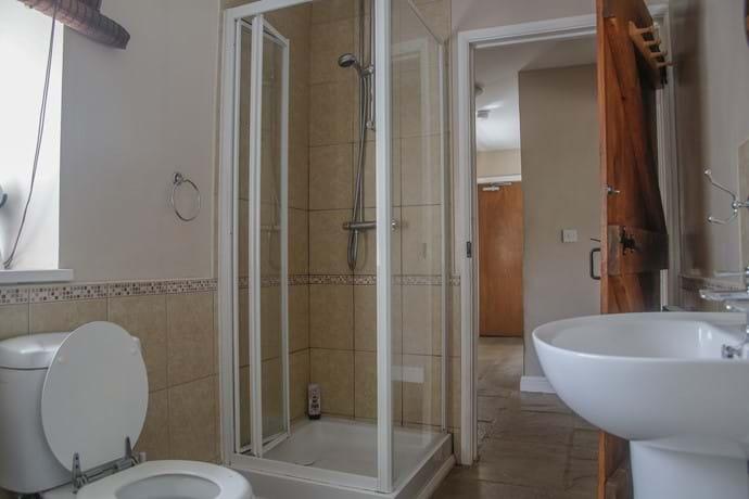 Sheephaven Bath/Shower Room