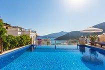 Villa Kismet Infinity Pool