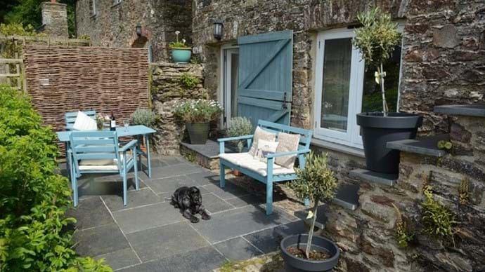 Fully enclosed so your pooch can join you on the terrace