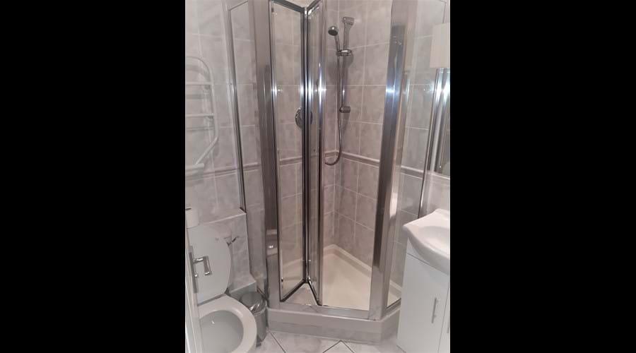 Ground Floor Bathroom AG35