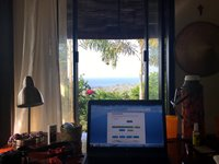 Garden studio with sea view from the working desk