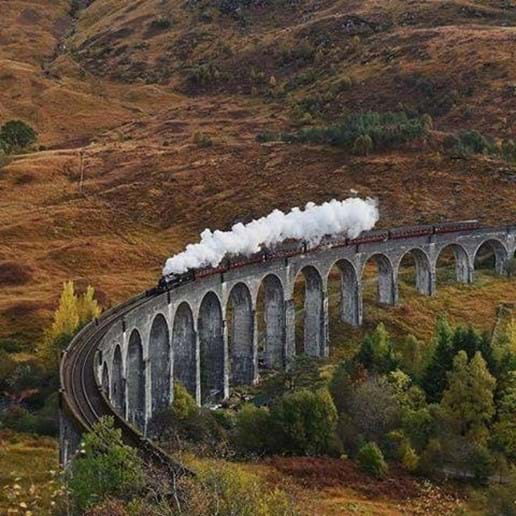 Harry Potter Train - Over the Glenfinnan Viaduct
