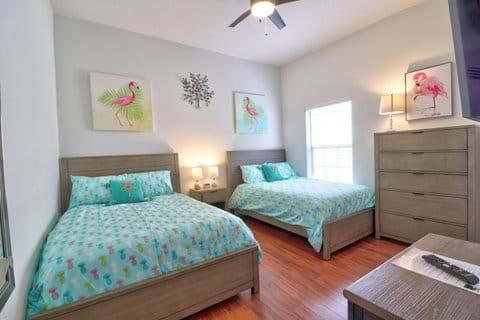 2 x Full (Double) Bedroom 4