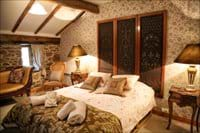 Double room  bed and breakfast ensuite. main house.