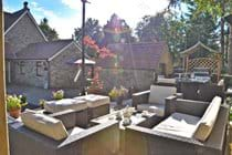Alfresco Lounge & BBQ Dining