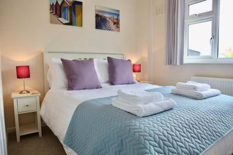 3 bedrooms comfortably sleeping 6