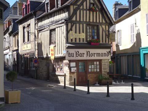 Au Bar Normand