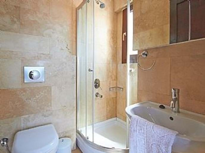 Both bedrooms have an ensuite shower room/wc