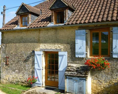 gites for rent near Sarlat with pool and garden