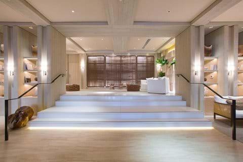 Private Residence Lobby