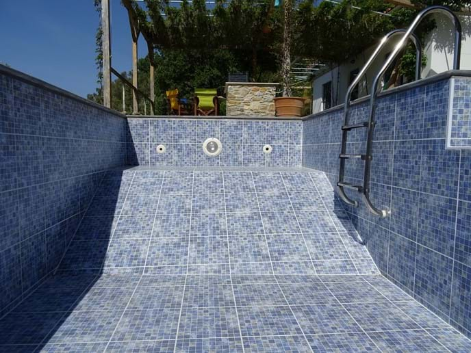 April 2017 - The month was dominated by re-styling and re-tiling the pool. The deep end is shallower making it easier to see the view from inside the pool. The ledge is shallower too, so now you can sit in the pool sipping a drink while enjoying the view.