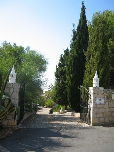 Private gated entrance Large Villa with private Heated Pool