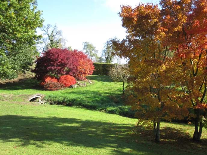 The acre mound in the autumn