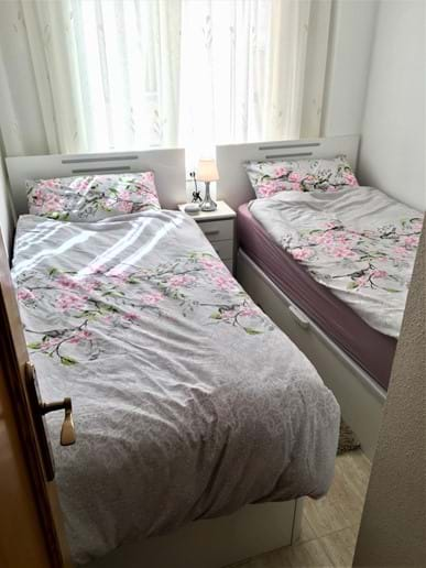 Holiday apartment - second bedroom - premium beds