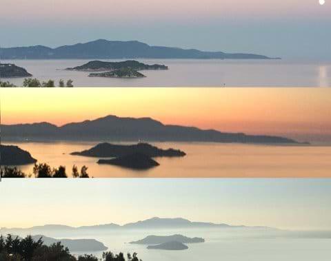 Sunset on Skiathos '3-islands' view (from Katasaros ridge)