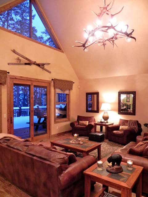 Rustic great room with vaulted ceiling