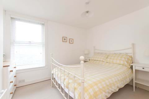 Whitstable Cottage Double Bedroom