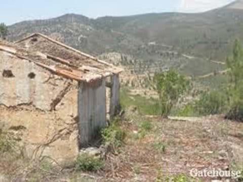 Ruin with land for sale in Serra da Monchique