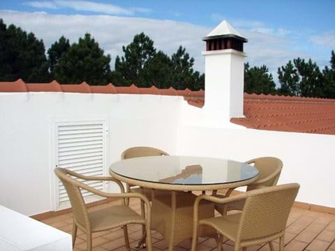 Roof terrace, table and chairs