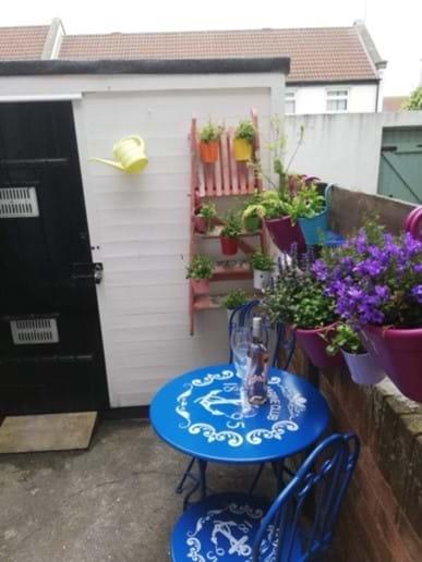 Bistro Table/Shed in Yard Area