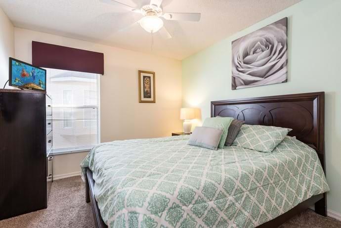 Queen Bedroom with En Suite Bathroom and TV