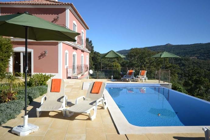 Rent a villa in Algarve Portugal, self catering accommodation in Portugal